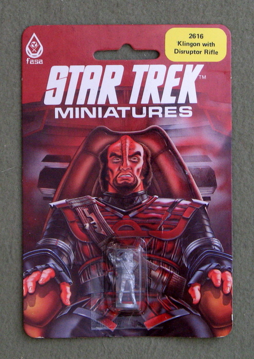 Image for Klingon with Disruptor Rifle: Metal Miniature (Star Trek Miniatures)